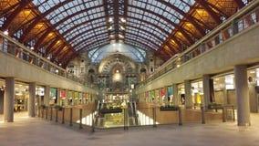 Dentro della centrale Trainstation di Anversa Fotografie Stock Libere da Diritti