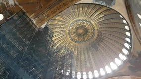 Dentro di Hagia Sofia a Costantinopoli stock footage