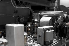 Dentro di vecchia radio Immagini Stock
