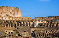 Dentro do Colosseum imagem de stock royalty free