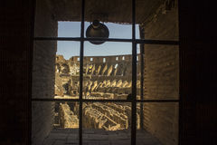 Dentro do Colosseum famoso Foto de Stock Royalty Free