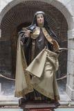 Dentro do convento de Santa Teresa, figura do emplastro de Saint fotos de stock