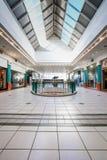 Dentro do interior da alameda da cidade de Alberton em Joanesburgo foto de stock