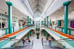 Dentro do interior da alameda da cidade de Alberton em Joanesburgo fotos de stock royalty free
