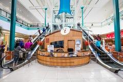 Dentro do interior da alameda da cidade de Alberton em Joanesburgo foto de stock royalty free