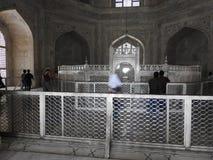 Dentro do mausoléu de Taj Mahal em Agra, Índia, herança do UNESCO, construída 1632-1653 foto de stock royalty free