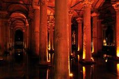 Dentro do reservatório da basílica, Istambul, Turquia Imagens de Stock Royalty Free