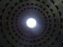 Dentro il panteon romano fotografie stock libere da diritti