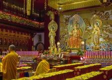Dentro il tempio buddhistic Fotografie Stock Libere da Diritti