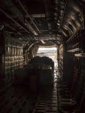Dentro l'aereo da carico fotografie stock