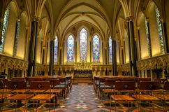 Dentro la cattedrale di Salisbury in Inghilterra immagini stock libere da diritti