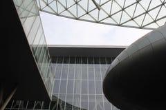 Dentro la costruzione moderna di Milan Trade Fair Fotografia Stock Libera da Diritti