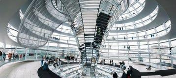 Dentro la cupola di Reichstag Fotografie Stock Libere da Diritti