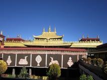 Dentro la vista del tempio di Jokhang fotografie stock libere da diritti