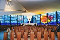 Dentro la vista di nuova chiesa di Madonna di amore Divine, destinazione famosa del pellegrinaggio cattolico - Roma - Italia fotografie stock