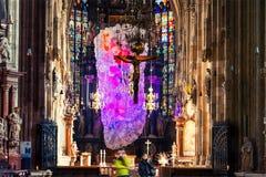 Dentro una st Stephen Cathedral con la bella decorazione a Vienna, l'Austria Immagini Stock
