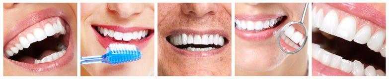 Dents avec la brosse à dents Photos libres de droits
