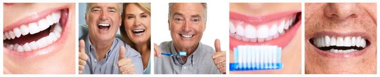 Dents avec la brosse à dents Photo stock