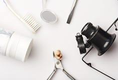 Dents extraites avec la cavité photo stock