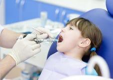 Dentysta target70_1_ strzykawkę Obraz Stock