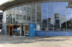 Denvästra Berlin drevstationen såg till som slotten av revor Royaltyfria Foton