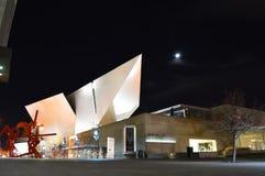 Denver Art Museum nachts Lizenzfreie Stockfotos