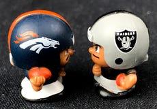 Denver Broncos i oakland raiders Li ` L współczłonek drużyny Bawimy się Zdjęcie Stock
