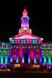 Denver City- und Grafschafts-Gebäude belichtet nachts, Colorado Stockbild