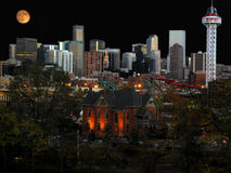 Denver cityscape. Moon rise over Denver Royalty Free Stock Photos