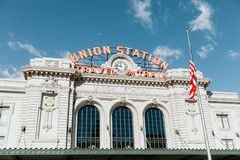 Denver, CO/U.S.A.: Colpi editoriali della stazione ferroviaria del sindacato durante le ferie di Natale immagini stock