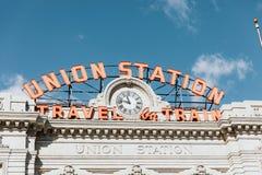 Denver, CO/U.S.A.: Colpi editoriali della stazione ferroviaria del sindacato durante le ferie di Natale immagine stock