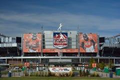 DENVER Co, USA - Oktober 8 2016: Sportmyndighetsfält på Mil Royaltyfria Bilder