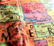 Denver Colorado, Etats-Unis concentrent le macro tir sur la carte de globe pour des blogs de voyage, le media social, des bannièr photos stock