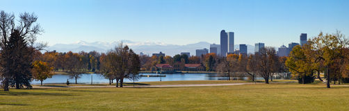 Denver Colorado - parc de ville dans l'automne photo stock