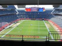 DENVER - 9. JANUAR 2014: Sport-Berechtigungs-Feld an der Meile hoch in Denver Colorado Lizenzfreie Stockfotos