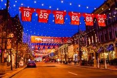 Denver Larimer Square NFL in Sinaasappel wordt verenigd die Royalty-vrije Stock Fotografie