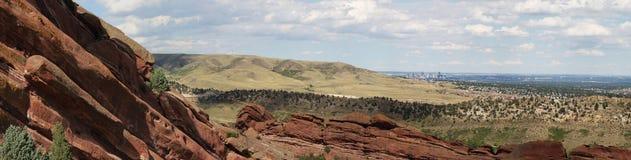 Denver Skyline dalle rocce rosse Fotografie Stock