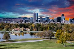 Denver Skyline and Mountains Beyond Lake Royalty Free Stock Photography