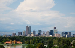 Denver Skyline Past Lake in Park Royalty Free Stock Photography