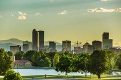 Denver-Skyline am Sonnenuntergang Stockbild