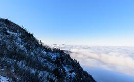 Deogyusan berg och dimma i vinter Royaltyfri Fotografi