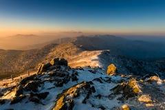 Deogyusan-Berge bei Sonnenaufgang im Winter, Südkorea Stockfoto
