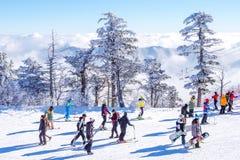 DEOGYUSAN, KOREA - 23. JANUAR: Touristen, die Fotos machen Stockfoto