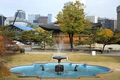 Deoksugung slott i Seoul, Sydkorea Royaltyfria Bilder