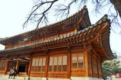 Deoksugungpaleis in wintertijd Hanok is traditioneel royalty-vrije stock fotografie