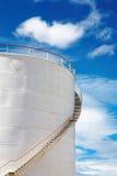 Depósito de gasolina industrial imagens de stock