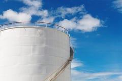 Depósito de gasolina industrial Imagen de archivo libre de regalías