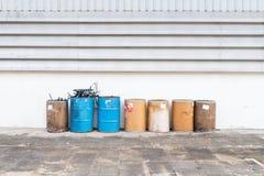 Depósito de gasolina viejo foto de archivo