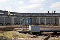 Depósito de tren abandonado viejo imagenes de archivo