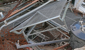 depósito material ferroso en un vertido imagen de archivo